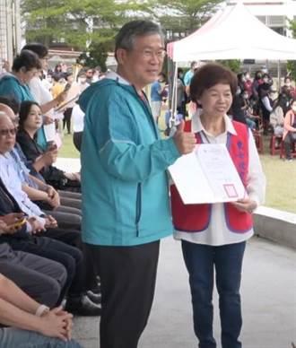與東女情緣一甲子 退休師李惠珠捐積蓄200萬