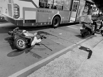 疑鑽車縫惹禍 外送員擦撞公車重摔亡 驚悚畫面曝