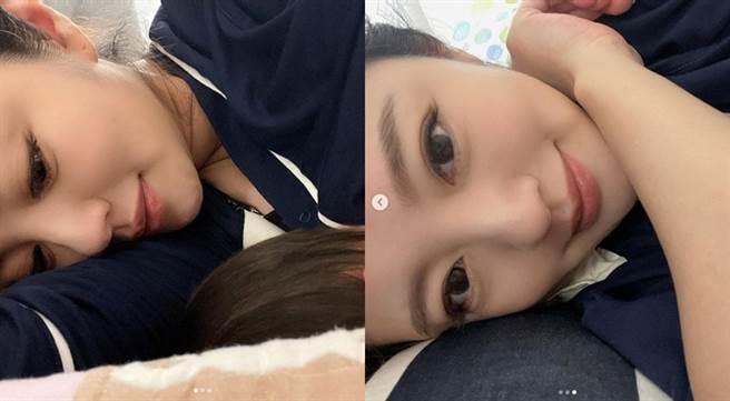 安以軒IG最新貼文是個人躺床自拍照。(圖/IG@安以軒)