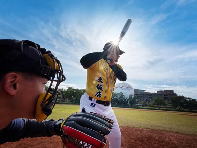 退役明星球員軟式棒球邀請賽將於12月19日在龍潭舉行。(名人堂花園大飯店提供)