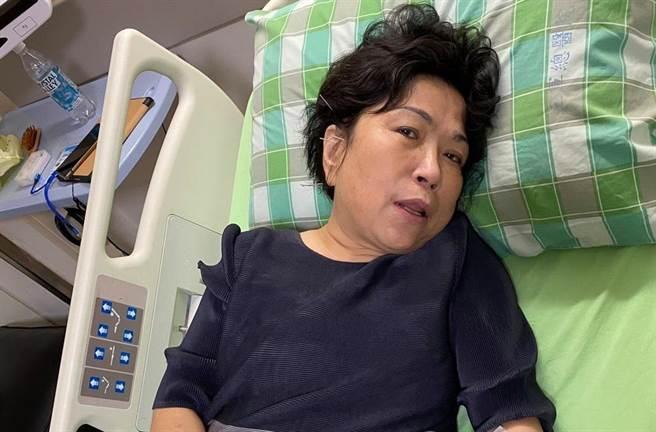 國民黨立委葉毓蘭右耳聽力受損,目前正積極治療。(圖/摘自葉毓蘭臉書)