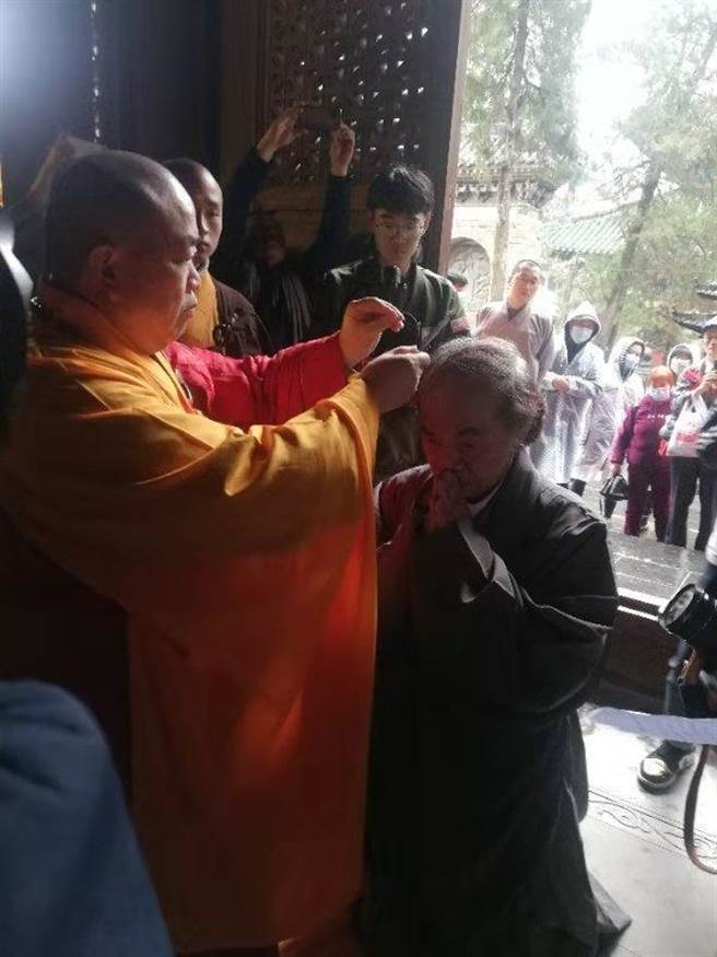 72歲漫畫大師蔡志忠少林寺落髮出家,法名釋延一。(圖片由少林寺提供)