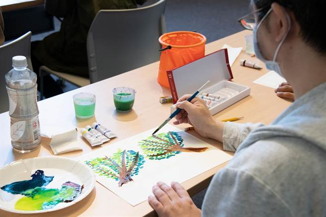 奇美醫院與奇美博物館合作,推出藝術治療,幫助思覺失調症患者。(奇美醫提供/李宜杰台南傳真)