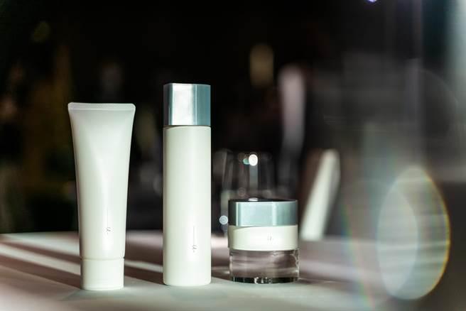 日本保養ORBIS以「只給肌膚需要的,不依賴多餘成分」為品牌理念,推出「ORBIS極光悠系列」(ORBIS提供)