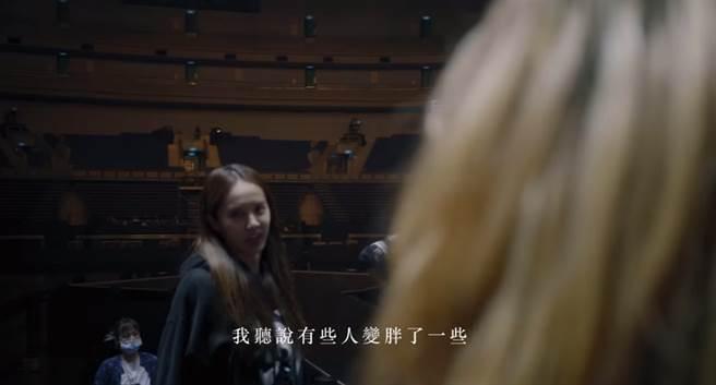 同为25岁,黄奕上海买房,蔡少芬却每天以泪洗面?现境遇大不同!