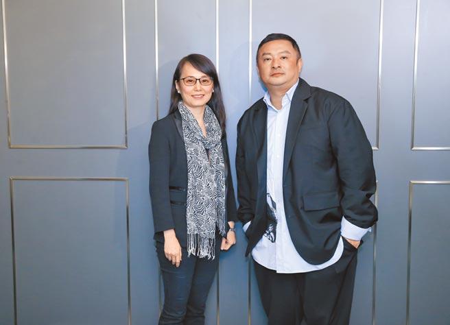 微风数位董事长张怡玲(左)、BREEZEONLINE营运副总彭剑平带领团队打造「BREEZEONLINE」。(卢祎祺摄)