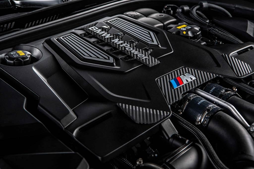 M5搭載S63 M TwinPower V8引擎,擁有600hp/750Nm最大動力輸出。
