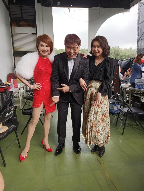 林美照、向娃、康弘喜相逢《超级夜总会》。(经纪人提供)