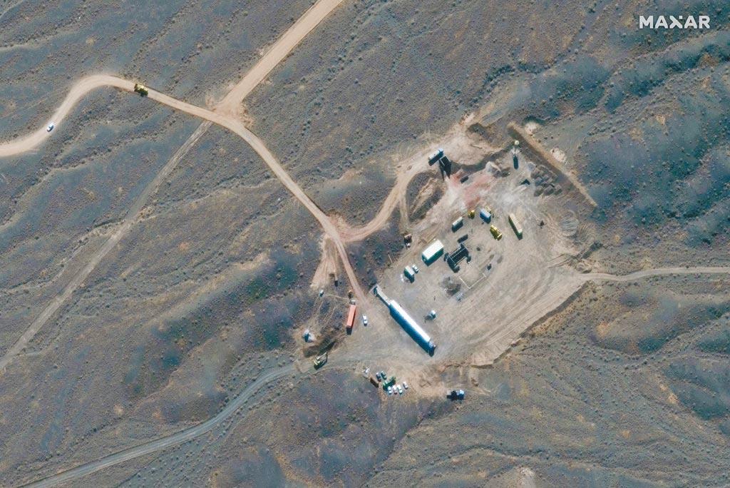 今年10月21日拍摄到的卫星影像,当中是伊朗中部伊斯法罕省沙漠的纳坦兹核设施。美国总统川普曾考虑在未来几周攻击该核设施。(路透)