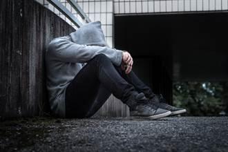 「個人本位」不僅無法排解寂寞,甚至會傷害他人