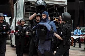 劉青雲《拆彈專家2》背31公斤裝備上戲 自嘲像「焗烤」