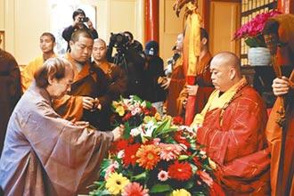 漫畫大師佛門落髮 3剪刀下轉身為釋延一 蔡志忠在少林寺出家了