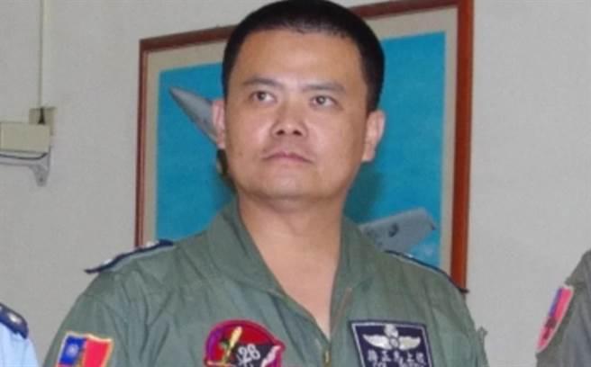 F-16失联战机上校飞行官蒋正志。(图/翻摄自中华民国空军学校校友会脸书)