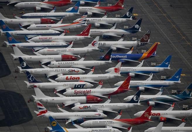 波音除疫情外還有737Max停飛影響,也已達殭屍企業標準。(路透)