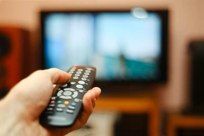 Netflix又要漲了!疫情下「線上得利」突圍不只宅經濟產業。(示意圖/達志影像shutterstock提供)