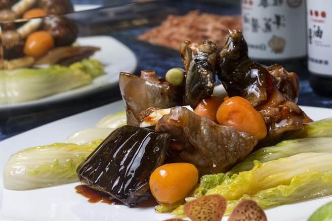「FUN饗漁悅」,豆醬紅燒甲魚。(陳麒全攝)