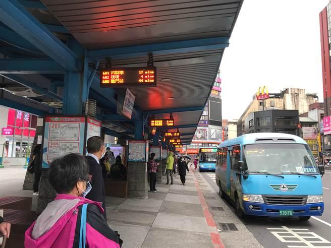 基隆市公共運輸使用比例全台第二,公車處卻連年虧損。(讀者提供/陳彩玲基隆傳真)