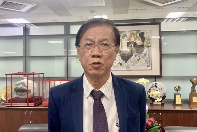 NCC以7比0完封中天,南投縣長林明溱批民進黨獨裁。(廖志晃攝)