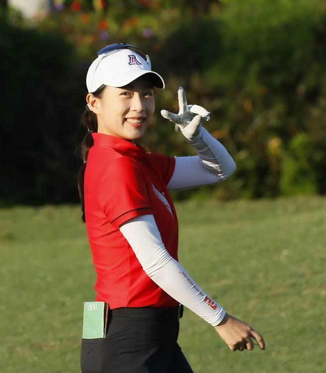 業餘高球女將侯羽薔在歡樂友緣公開賽第一回合繳出低於標準6桿的66桿成績領先群雌。(TLPGA提供)