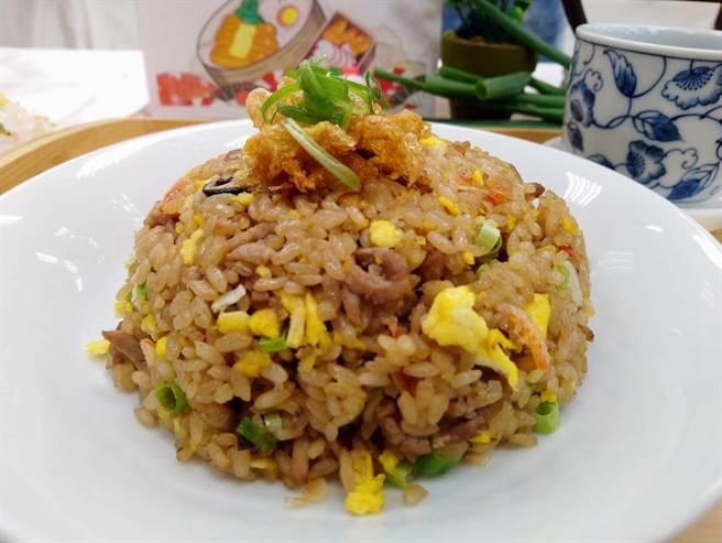 原源餐飲的阿嬤的炒飯香入圍第2屆「台灣炒飯王」。(農糧署南區分署提供/李宜杰台南傳真)