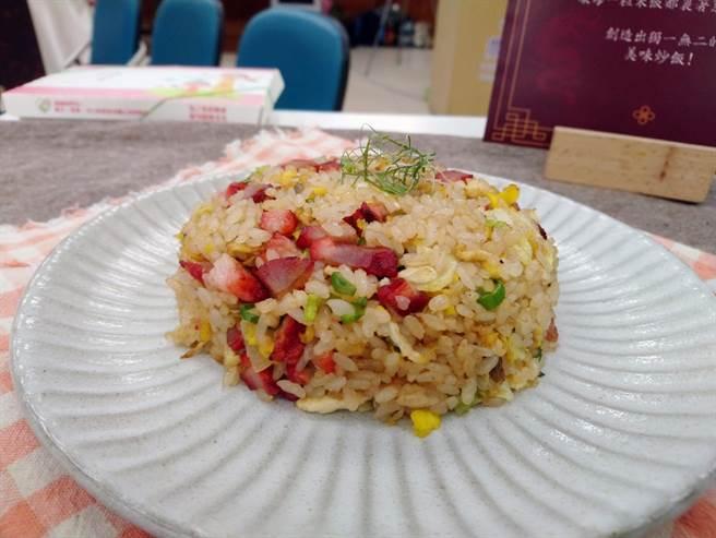 飯賣人口的叉燒蛋炒飯入圍第2屆「台灣炒飯王」。(農糧署南區分署提供/李宜杰台南傳真)