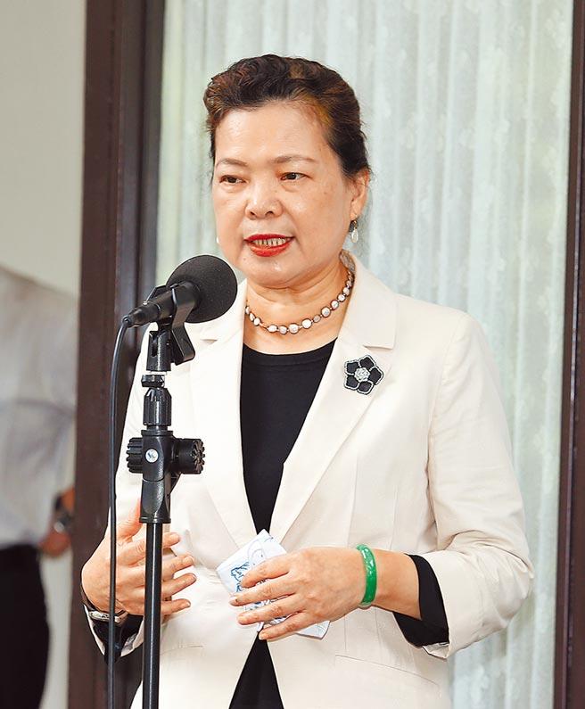 針對「區域全面經濟夥伴關係協定」(RCEP)15日正式簽署,但台灣卻被排除在外,經濟部長王美花17日在立法院受訪表示,這條路不好走,我們要爭取其他路走。(姚志平攝)