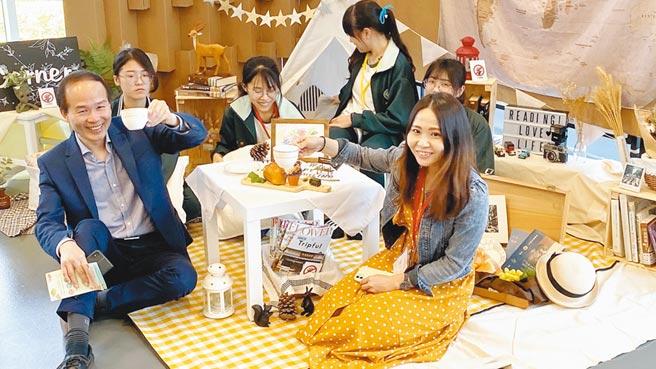 國資圖台灣閱讀節推出「想見你,野來閱讀」主題,辦「閱讀角創意競賽」活動,打造特色野餐閱讀角落。(陳淑芬攝)