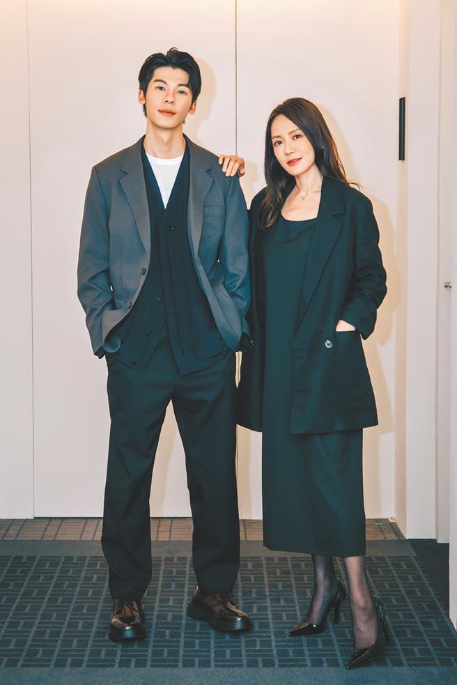 許光漢(左)日前拍MV,邀金鐘視后尹馨一起合作。(何樂音樂提供)