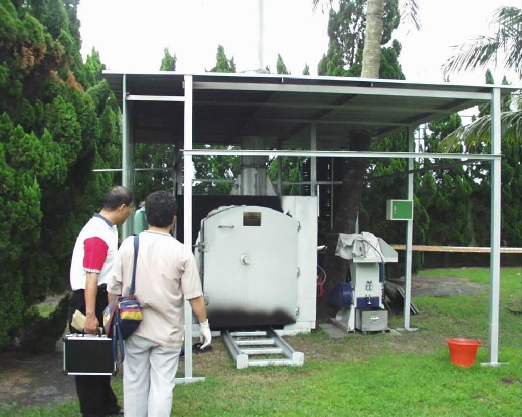 2001年疑似洪若潭夫婦的屍骨即在這座新購的焚化內被發現。(中時資料照,圖/鐘武達攝)