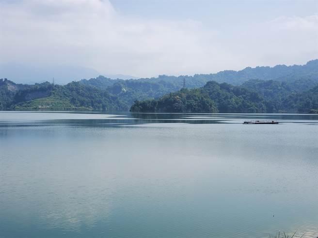 斗六市湖山水庫位於斗六與古坑之間,今年已蓄滿。(周麗蘭攝)