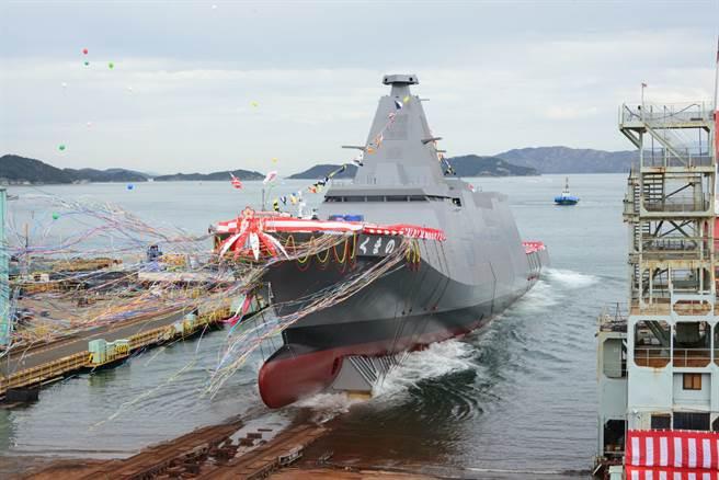 日本海上自衛隊下一代匿蹤護衛艦「熊野號」19日下水。(圖/摘自海自推特)