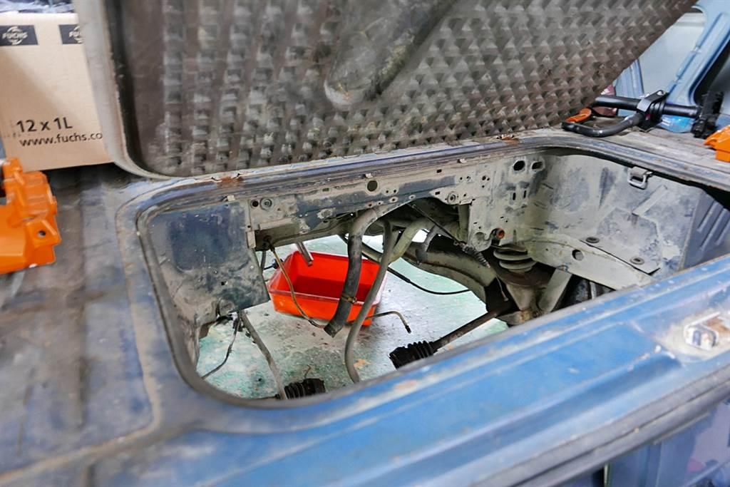目前規劃T3置入馬達的位置,由於馬達比引擎更防水,因此置放於此處也無水患問題。
