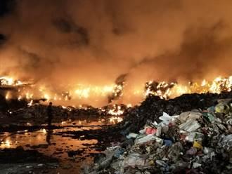 草屯垃圾場凌晨大火 緊鄰高壓電一度危急