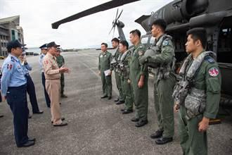 參謀總長黃曙光坐鎮搜救應變中心 整合三軍找回蔣正志上校
