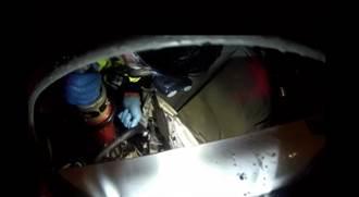花蓮台九線瑞穗段轎車撞電桿 軍人載女友1死1傷