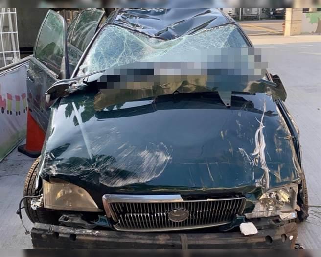 19歲大學生駕車墜20米深谷 車全毀人奇蹟似輕傷
