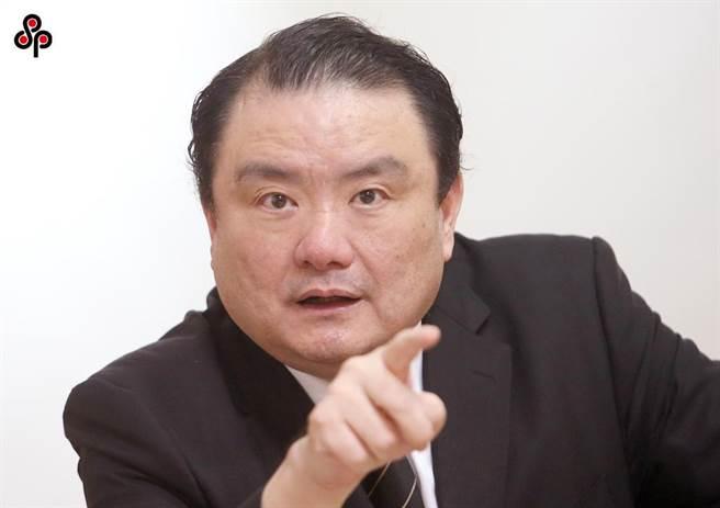 檢察官劉承武親自到檢審會認錯並道歉,檢審委員決議給予警告處分。(本報資料照片)