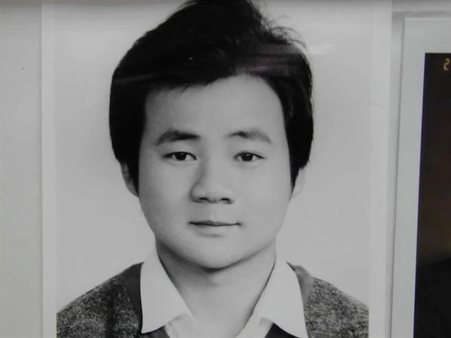 陳人誠民國88年就準備與羅美雲訂婚,但訂婚前夕他被人以製造假車禍的方式毆打成傷,耳朵還被割去一半,訂婚因此延宕。(圖/資料照)