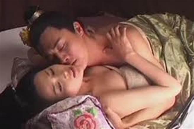 甘婷婷和杜淳在《水滸傳》有激情床戲。(資料照)