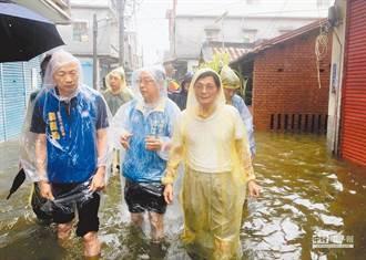 為何挺中天?網:2018年只有中天跟韓國瑜關心大寮水災