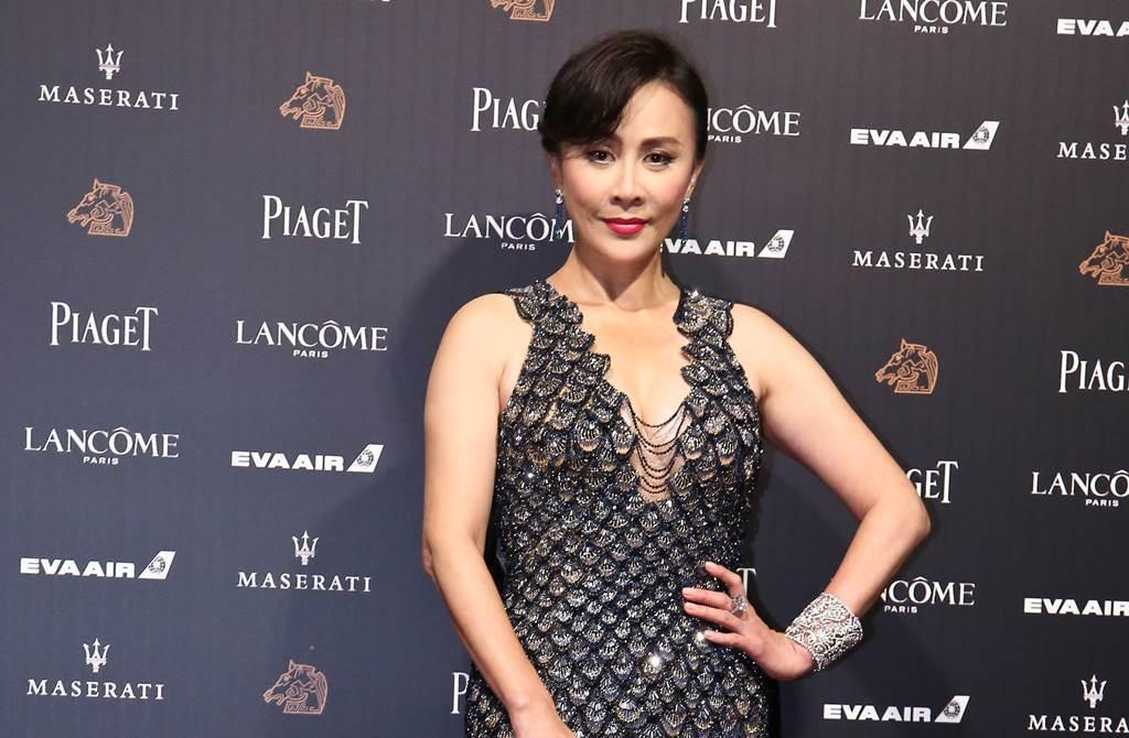 女神劉嘉玲為新戲《情深緣起》裝嫩,不過她演少女的扮相卻引發熱議。(圖/本報系資料照片)