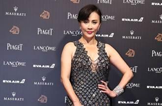 54歲劉嘉玲拍戲裝嫩 綁雙馬尾扮少女 網看傻:佩服她的勇氣