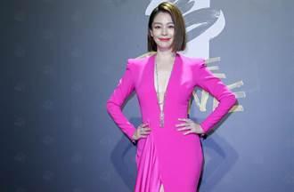 徐若瑄颁金马女配角网轰「尷尬又好吵」 深夜发文道歉