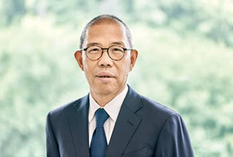 農夫山泉董事長、大陸首富鍾睒睒 尊重技術 低調的硬底子