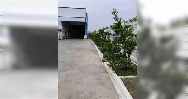工厂老板李荣坤投资改建厂房,以符合包括消防、绿化及建筑建蔽率的规定。(图╱读者提供)