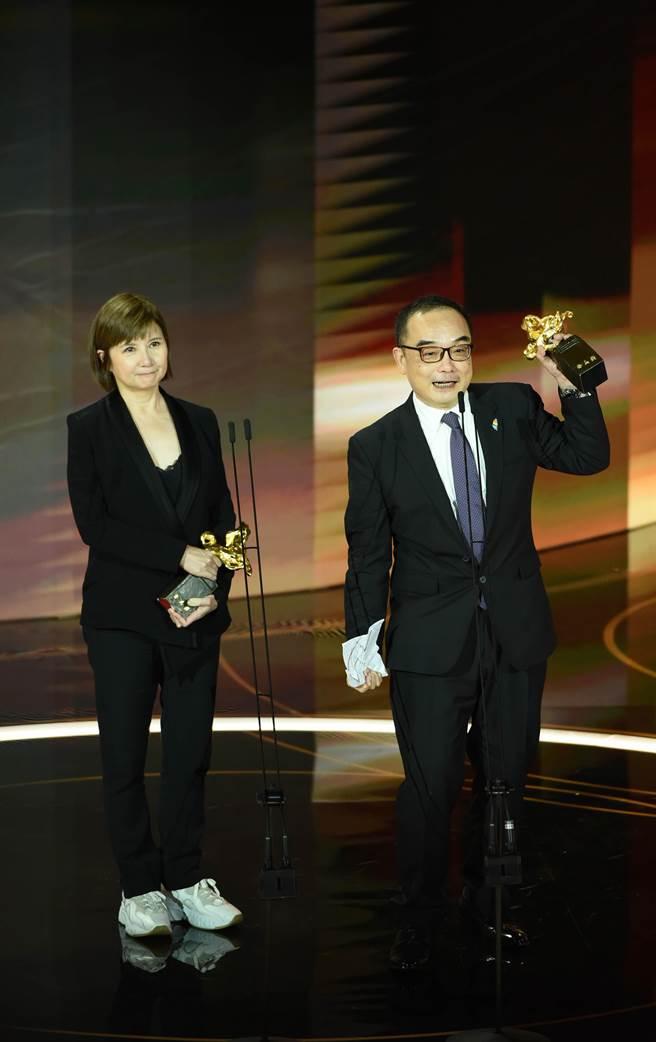 世新校友李烈(左)在今年金馬獎大放異彩。(世新提供/林志成台北傳真)