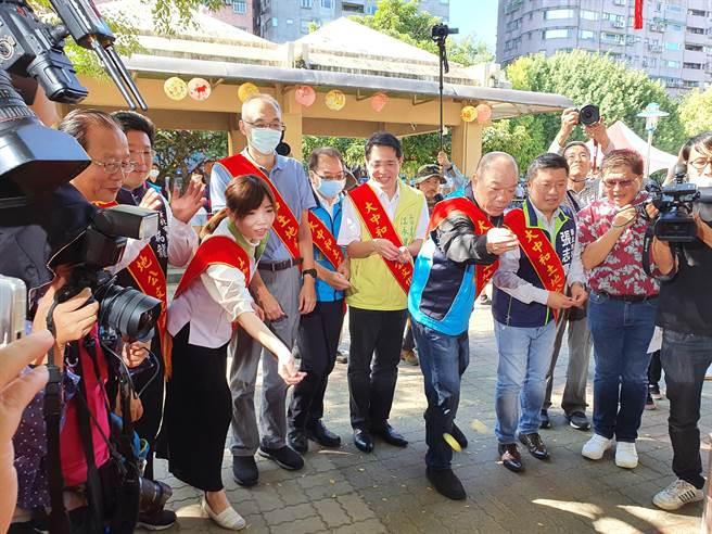 新北市中和区公所今(22日)在中和公园举办「中和土地公文化祭」。(叶书宏摄)
