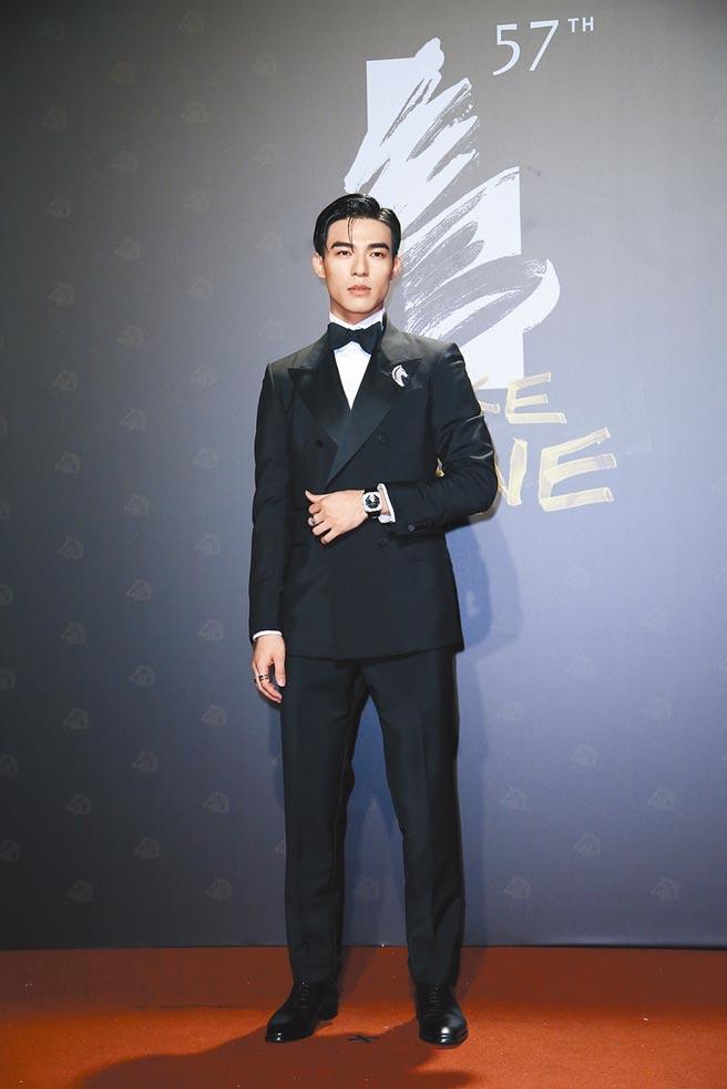 陳昊森穿合身剪裁的GUCCI訂製西裝,以身材優勢完美詮釋鮮肉時尚。