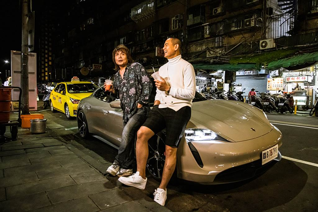 台灣保時捷「跑車大明星」邀請名人駕馭嶄新純電跑車 Porsche Taycan環島