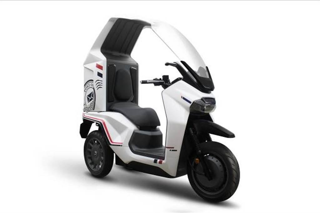 除KRNBT,還有多款概念車以及海外市場的新車:包含針對商用電動車市場推出的概念車EF3,採用三輪的商用設計,風鏡結合頂篷一體化的設計,不僅使頂篷和儲物箱具有統一的外觀,還使商業使用者能夠克服惡劣的天氣條件騎乘。EF3配備電子後視鏡,讓後方視角無死角,概念車應用具有優異充、放電性能的鋁電池技術,並使用最新快速充電技術,提供更安全、便捷的商用需求。